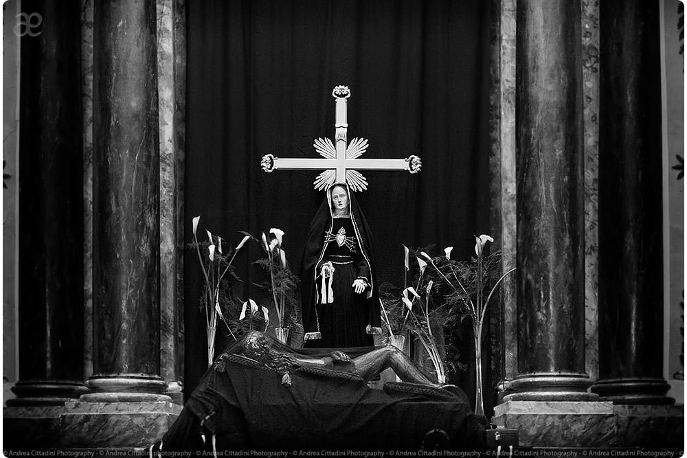 La via Crucis a Bevagna