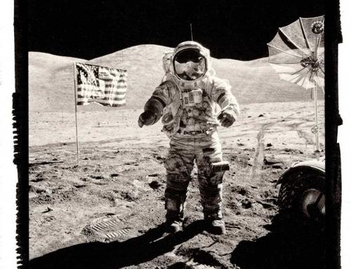 Man on the moon – Stampe al Platino e Palladio